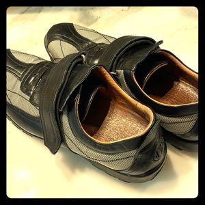 Donald Pliner Sport Travel shoe